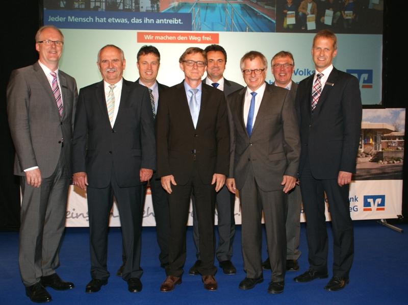 Für Mitglieder da: Vorstand und Aufsichtsrat Volksbank Lübbecker Land
