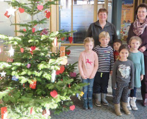 Weihnachtsbaumschmücken Volksbank Lübbecker Land Lemförde