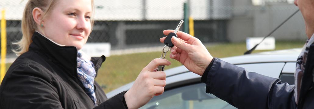 Leihvertrag baut Autoärger vor - Gute Tipps der Volksbank Lübbecker Land